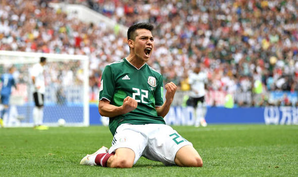 Manchester United target Hirving Lozano
