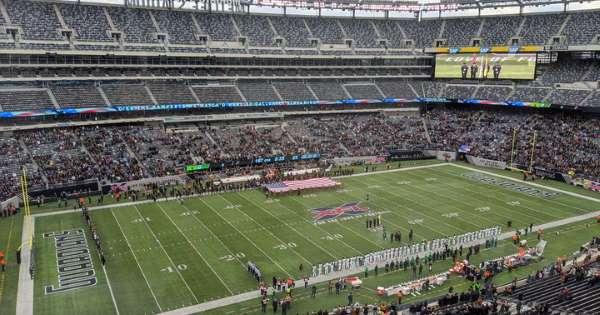 XFL crowds get lost in big stadiums
